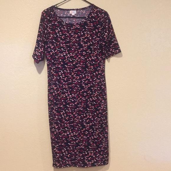 LuLaRoe Dresses & Skirts - Lula Roe Julia dress size medium.